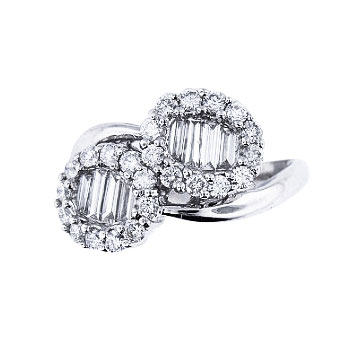 18K White Gold Round and Baguette Diamond Ring 1.50 Carats